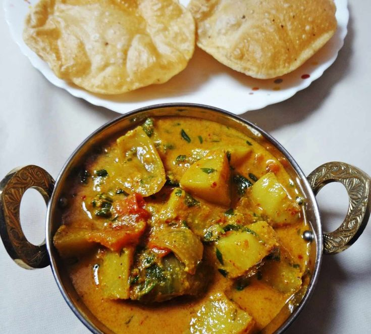 Aloo can be made with different flavours and different form. Make it dry or gravy team it with palak or stir fry. Heres Aloo Methi masala in onion coconut gravy with spices. Serve with hot Poori or Phulka. #MothersdayContest. http://ift.tt/29sG179 #Vegetarian #Recipes