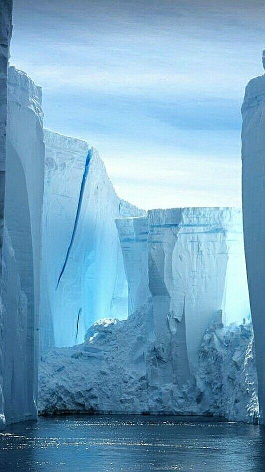 Torres de hielo en la Antártida