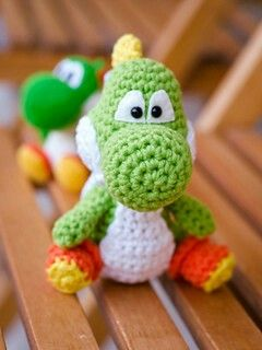 Free crochet Yoshi!