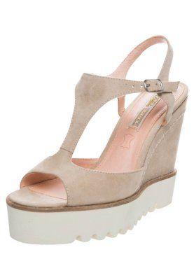 Sandali con i tacchi - beige