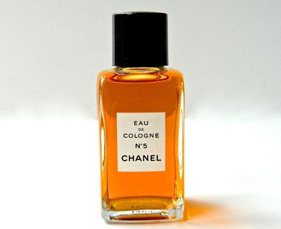 56 Vintage Chanel No 5 parfum Eau de Cologne 2 oz Perfect onaangeroerd nu stopgezet. 56 EURO