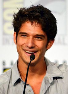 Google Image Result for http://upload.wikimedia.org/wikipedia/commons/thumb/0/0f/Tyler_Posey_Comic-Con_2012.jpg/220px-Tyler_Posey_Comic-Con_2012.jpg