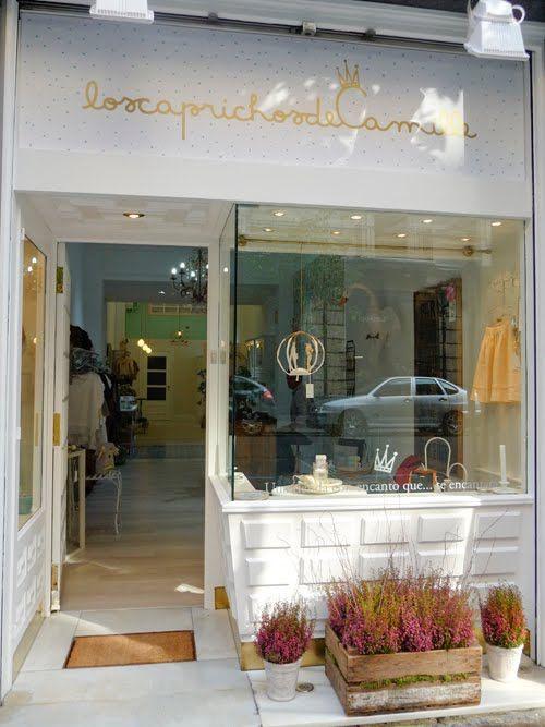 M s de 25 ideas incre bles sobre fachadas de tiendas en - Baules para exterior ...
