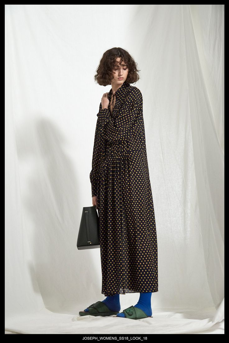 JOSEPH Fashion, Pre-Spring Summer 2018 Collection, Look 18 // Creative Director: Louise Trotter. Styling: Jane How. Photography: Bibi Borthwick. Models: Milena Litvinovskaya and Leila Zandonai //