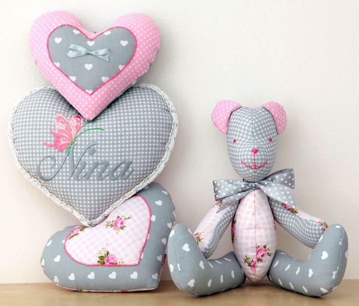 dekoracja do pokoju dziecięcego...miś,przytulanka,teddy bear,pokój dziecięcy,kidsroom,szmaciane serca,desing,dla dziecka,for kids,diy,dekoracje dziecięce,rękodzieło,handmade