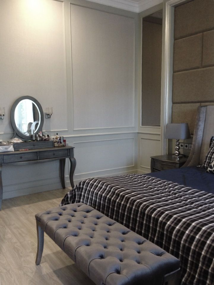 Silver painted furniture for classic modern bedroom | bench | makeup vanity