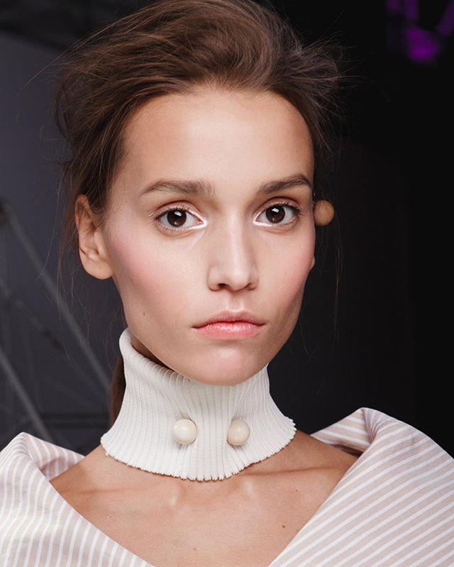 Макияж без макияжа на шоу Litkovskaya осень-зима 2017/2018. #litkovskaya #ufw @litkovskaya_official #beauty @vogueua_beauty #vogueukraine #sisley @sisleyparisofficial @sisleyparisua #sisleyparis  via VOGUE UKRAINE MAGAZINE OFFICIAL INSTAGRAM - Fashion Campaigns  Haute Couture  Advertising  Editorial Photography  Magazine Cover Designs  Supermodels  Runway Models