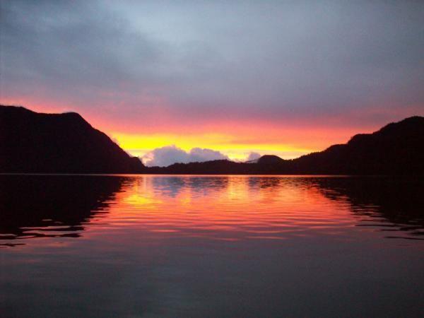 Jambi, Suasana Sore Hari Danau Kerinci: Wisata Alam Danau Kerinci