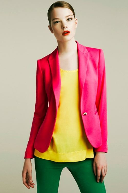 Colour block Bright Winter. I love this. On that colouring (could resemble the model), this can be so much more exciting and more 'normal' than neutrals (grays, etc), but most women have to grow into it.