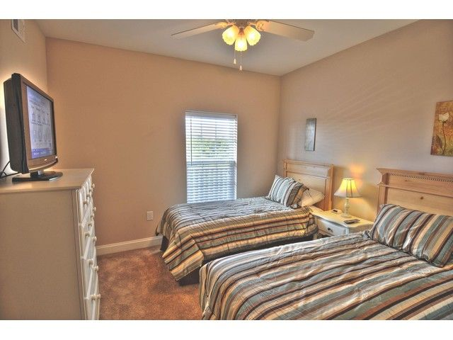 Coconut Grove 405 | Myrtle Beach Home Away Vacation Rentals  - guest room with 2 twin beds