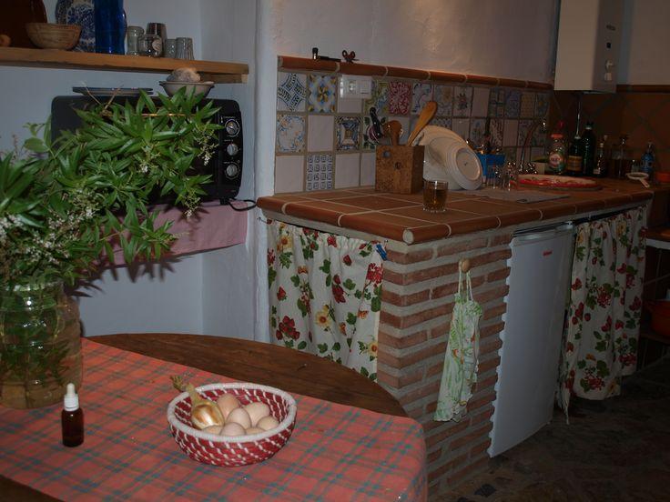 Cocina de la Casa Rural Tai en el Parque Natural de los Alcornocales