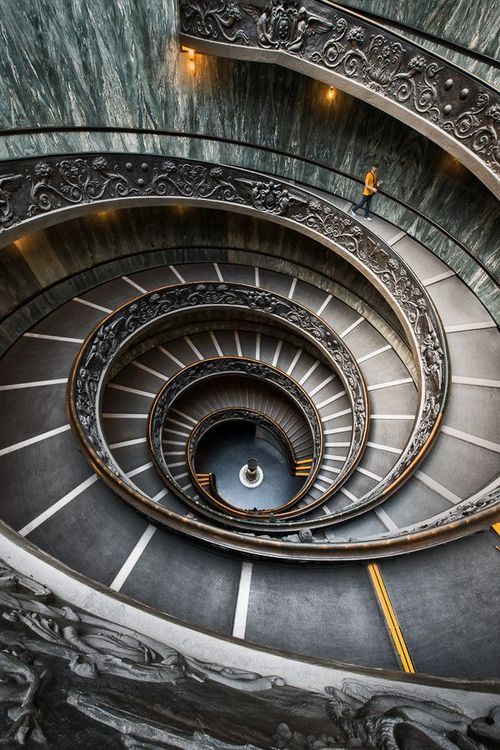 30 Creative Examples of Staircase Photography