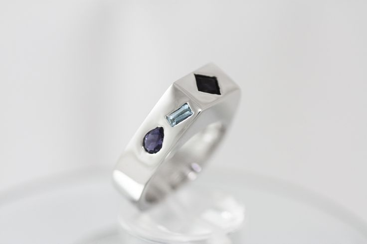 Wide Ring - Iolites & Aquamarines mounted on Sterling Silver Platinum plated - The Blue Lines ring