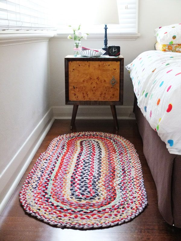 How to make an oval braided rug from old t-shirts.
