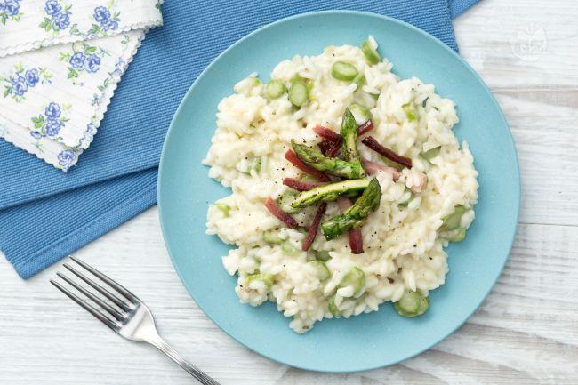 Ricetta Risotto asparagi e speck - La Ricetta di GialloZafferano