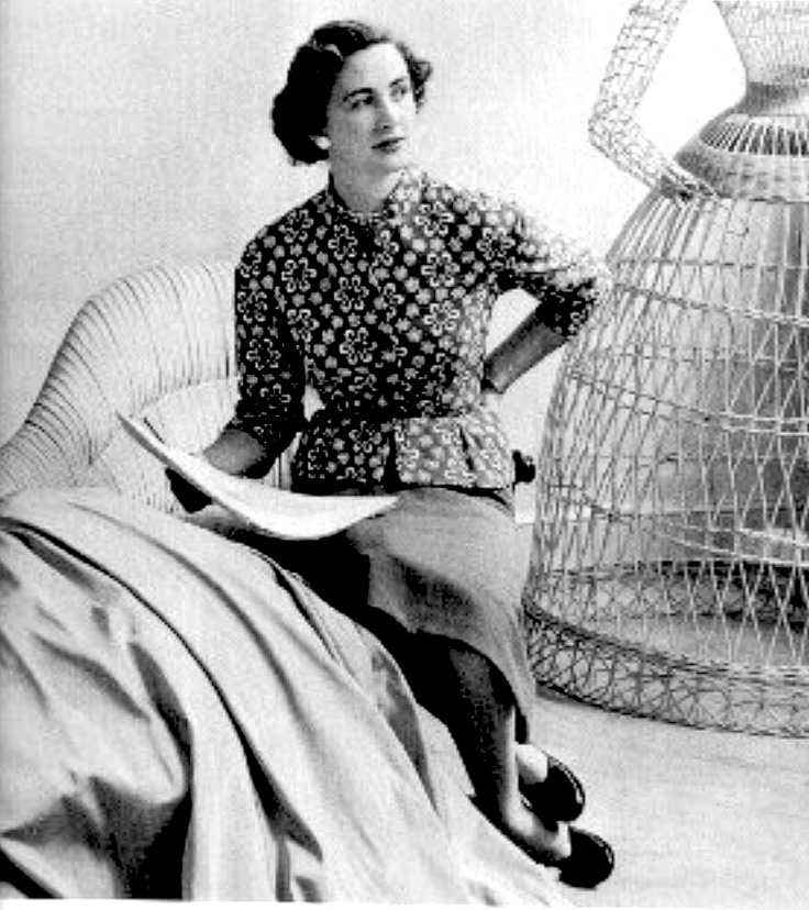 Irish Women : Sybil Connolly (1921 - 1998). Sybil's interest in fashion led her from Waterford to London, aged 17, to study dressmaking with Bradley & Co.  Her clothes were sought after in the US and she had an impressive list of clients such as the Rockefellers and DuPonts. Jacqueline Kennedy wore a Sybil Connolly creation when she sat for her official White House portrait and visited the designer in Ireland. In the 1980s, Sybil began designing for luxury goods makers Tiffany & Co of New…