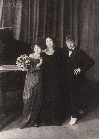 Irma Duncan, Isadora Duncan and Sergei Yesenin, 1920, Corbis