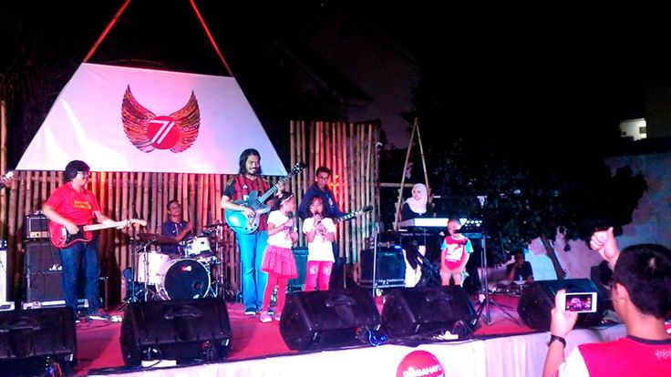 Nayla dan Icha Menyanyikan Lagu Tanah Airku dan Indonesia Bisa di Panggu...