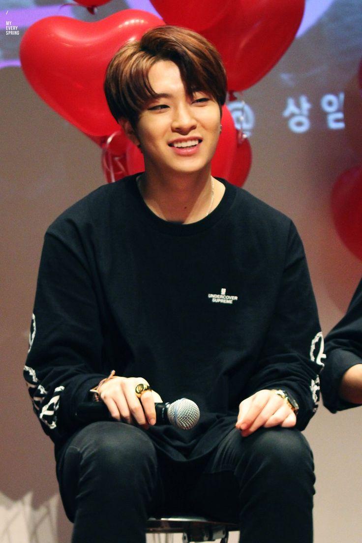 His smile are like sunshine ☀️