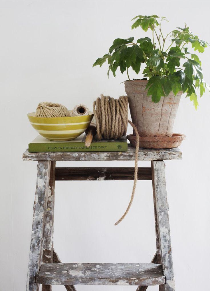 Ebba bowl in handmade enameled steel
