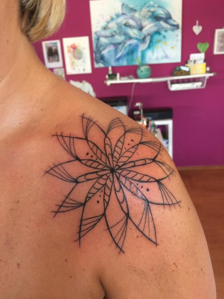 FARBREIZ Tattoo & Art www.farbreiz-tattoo.de claudia@farbreiz-tattoo.de #mandala #tattoo