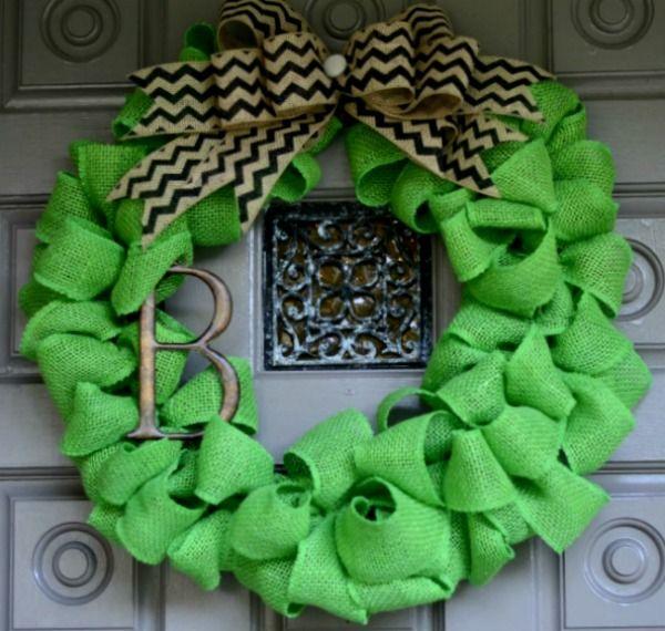 Colored Burlap Wreath Tutorial