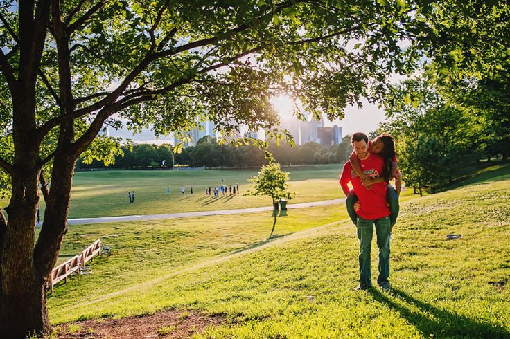 Atlanta, GA Piedmont Park engagement photo< cute!
