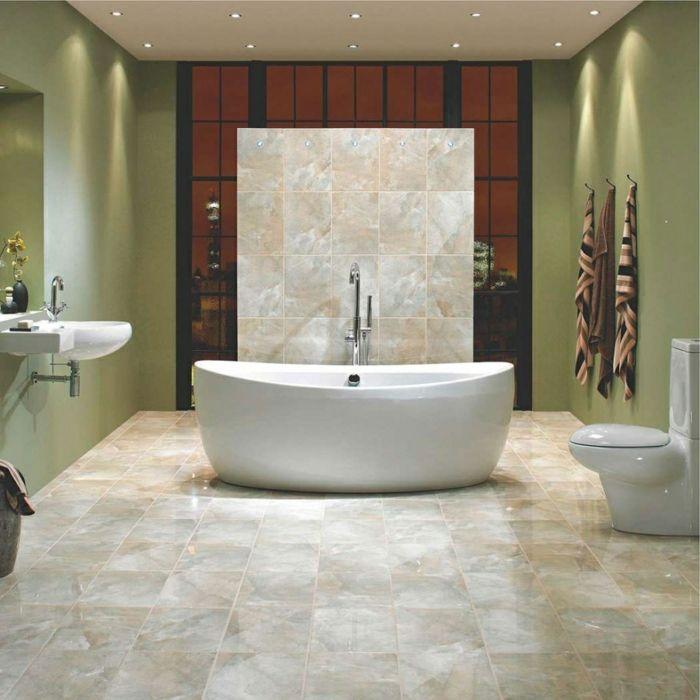 badezimmerfliesen helle farben schick freistehende badewanne deckenbeleuchtung