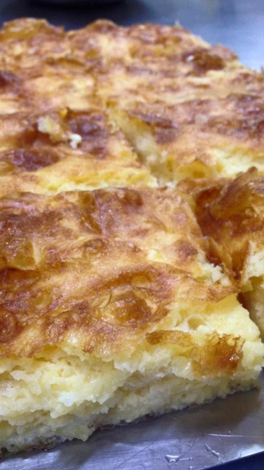 Στο κατάστημά μας θα βρείτε φρέσκια Γιαούρτοπιτα με μοναδικής υφής γιαούρτι,απολαυστική φέτα,αυγό και τραγανό φύλλο!! #giaourti #pita #feta #monadiki