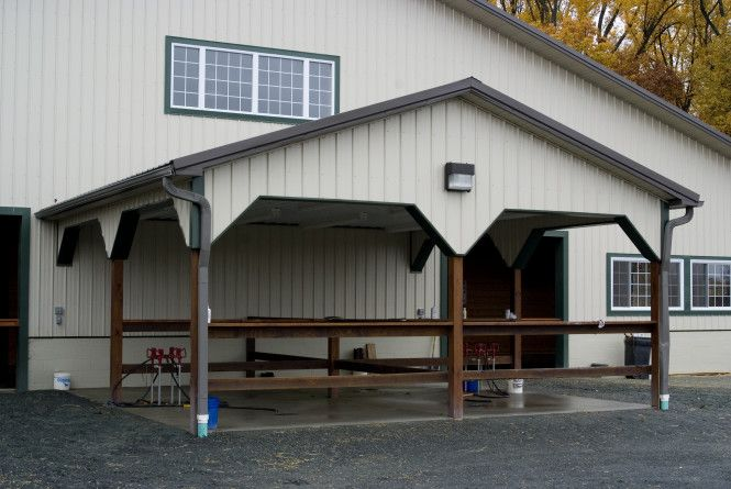 This area provided a lot of extra wash space outside the building, when the number of horses at the barn reaches its peak in the summertime.
