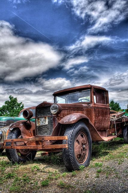 oldcar by Lawrence Whittemore, via Flickr