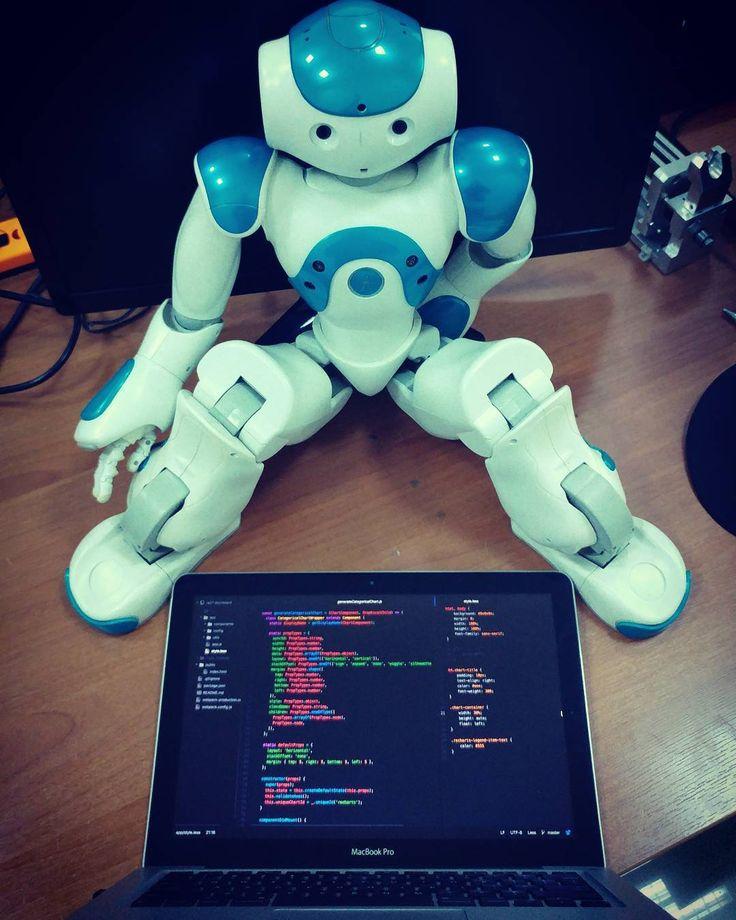 Pair programming? Bitch please.   #frontend #developer #codinglife #code #coding #coder #macbook #macbookpro #nao #robotics #neuroboticslab #javascript #html5 #css #less #programming #programmer #tech #pairprogramming
