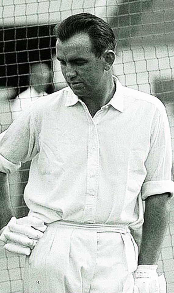 209-Robert Baddeley Simpson played 62 Tests from 1957. He captained the team from 1963–64 until 1967–68. After 10 years in retirement, he returned at age 41 to captain Australia in 1977-78 during the era of World Series Cricket. He was a right-handed batsman and semi-regular leg spin bowler. In 1986 he was appointed coach of the team, a position he held until 1996. He made 4869 Test runs at 46.81.