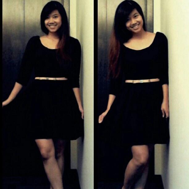 Half sleeve skater dress in black