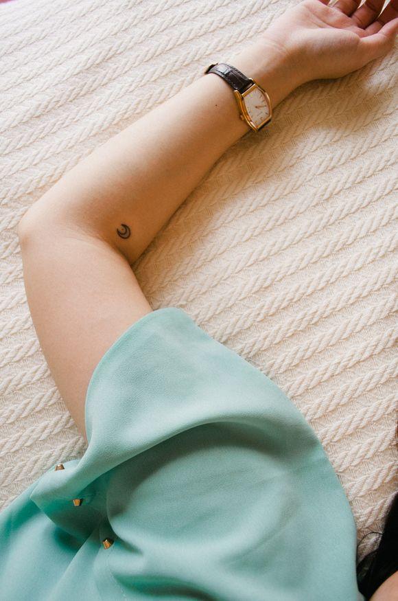 Tatuaje-pequeno. Mas ideas de #tatoos aquí ;D http://ohmycool.com/blog/tendencias/tatuajes-pequenos-que-marcan-la-diferencia/ #Ohmycool
