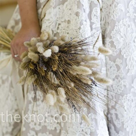 Alexis' earth-toned bouquet of dried bunny tails, black bearded wheat, and lavender complemented her dress.