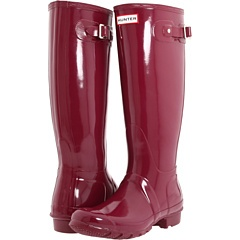 Rubber is a very popular type of fiber in rainboots. Hunter rainboots have been seen everywhere in popular stores such as Nordstrom.  They are becoming a classic and staple boot a lot like when the UGG boots came into popularity.  This durable material is perfect for everyday casual outdoor wear, especially if you live in an area like the Northwest. Hunter boots along with other knock off rubber boots come in a multitude of colors and are often paired with tall socks or leg warmers.  Jessica…
