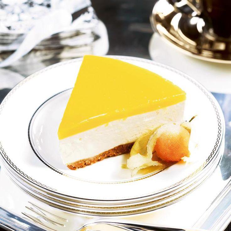 Aurinkoinen juustokakku // Peach Cheese cake Food & Style Uura Hagberg Photo Tommy Selin www.maku.fi