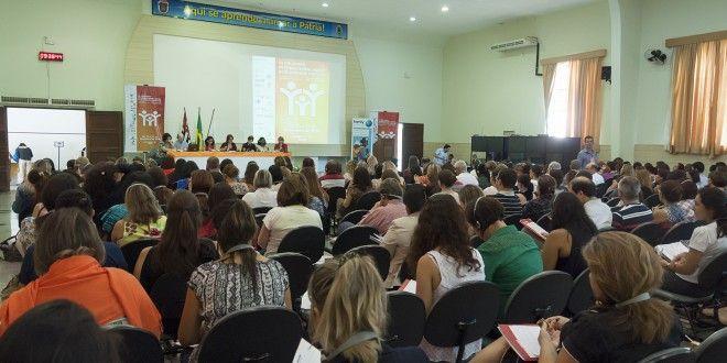 Redes comunitárias, desafio global para acolhimento familiar segundo colóquio em Campinas | Agência Social de Notícias
