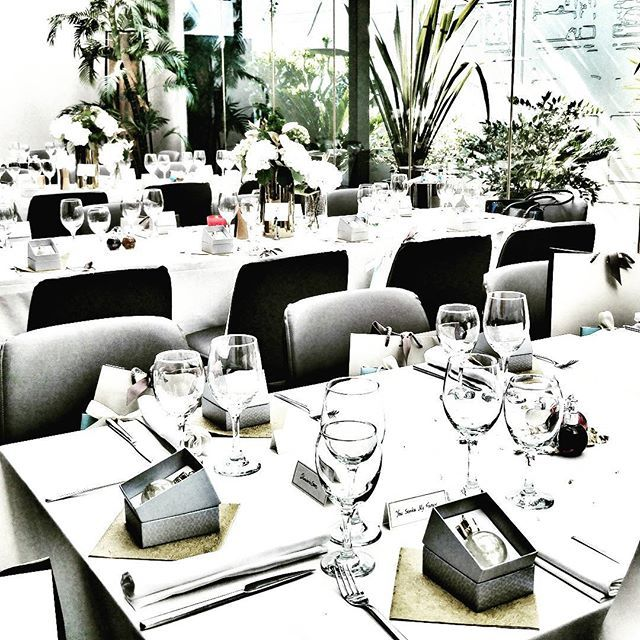 Lunch is served in a minimal yet chic environment at THE TWENTYONE RESTAURANT & BAR! Photo by @nefeligeorgala