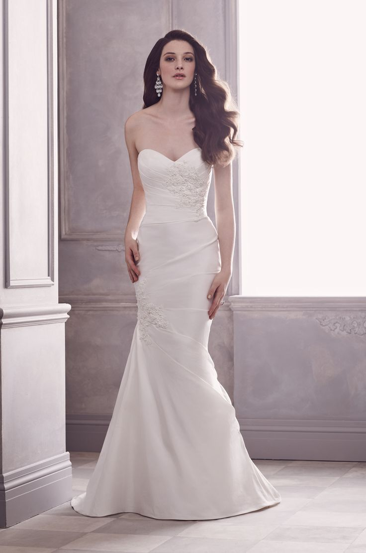 58 best Wedding Dresses images on Pinterest   Wedding frocks ...
