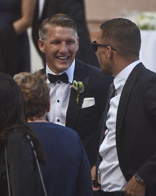 Shweinski on Basti wedding, i'm very happy ❤️😍 #bastianschweinsteiger #lukaspodolski #bastiana #wedding #lfl #l4l #schweinski #friendship #happiness #anaivanovic #goodnight