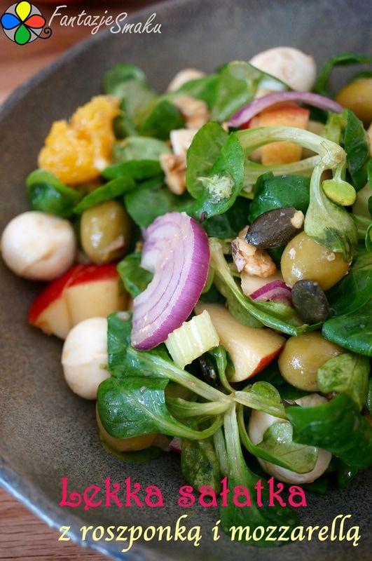 Lekka sałatka z roszponką i mozzarellą  http://fantazjesmaku.weebly.com/blog-kulinarny/lekka-salatka-z-roszponka-i-mozzarella