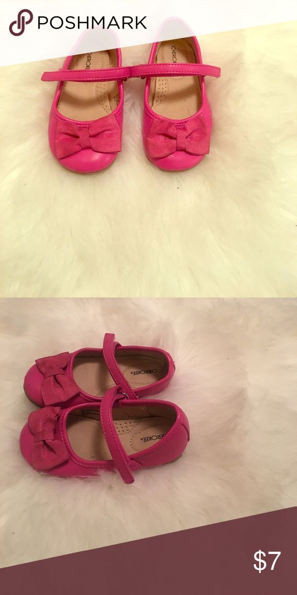 Toddler dress shoes Pink dress shoe with bow on toe. Cherokee Shoes Dress Shoes