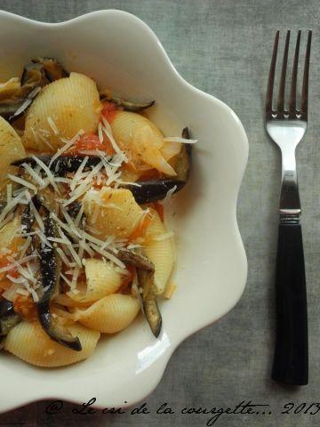 Pâtes aux aubergines grillées et tomates fraîches | Recettes de cuisine bio : Le cri de la courgette...