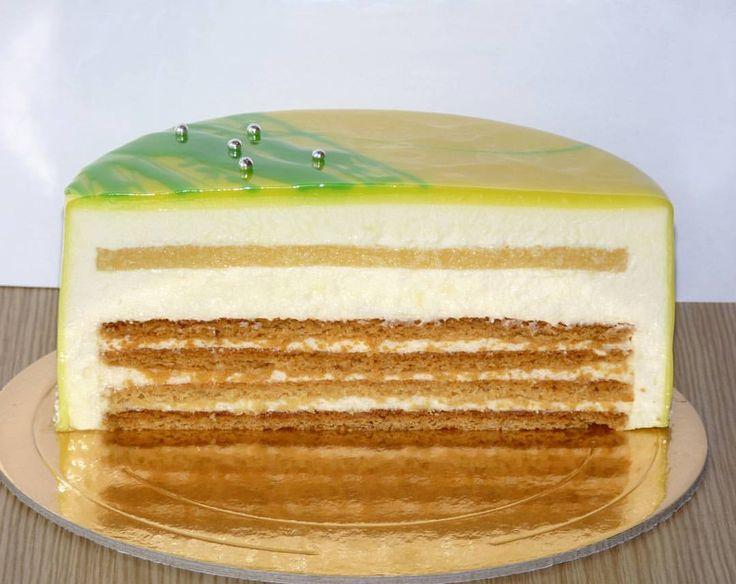 113 отметок «Нравится», 14 комментариев — Вкусные торты и десерты  (@a.shel24) в Instagram: «Муссовый медовик нежные коржи, заварной крем на итальянской меренге, апельсиновое желе Для этого…»