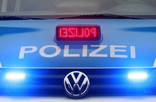 Ein 73-Jähriger baut in Stuttgart-Weilimdorf und Stuttgart-Zuffenhausen innerhalb von einer Stunde drei Unfälle. Die Polizei sucht Zeugen. Foto: dpa/Symbolbild http://www.stuttgarter-zeitung.de/inhalt.blaulicht-aus-stuttgart-28-februar-auf-chaos-fahrt-drei-unfaelle-gebaut.4c4c0bfc-3477-4869-a0d6-c61604008b02.html