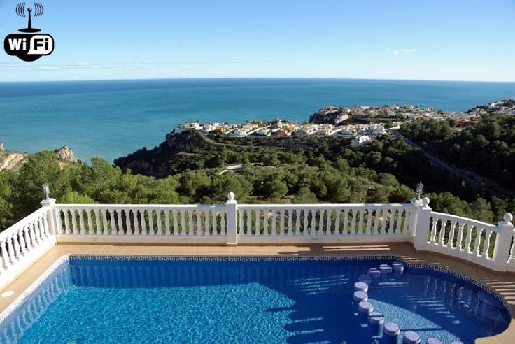 CASA IRINA, en alquiler, con piscina privada, wifi, aire acondicionado, calefacción, juegos para niños...