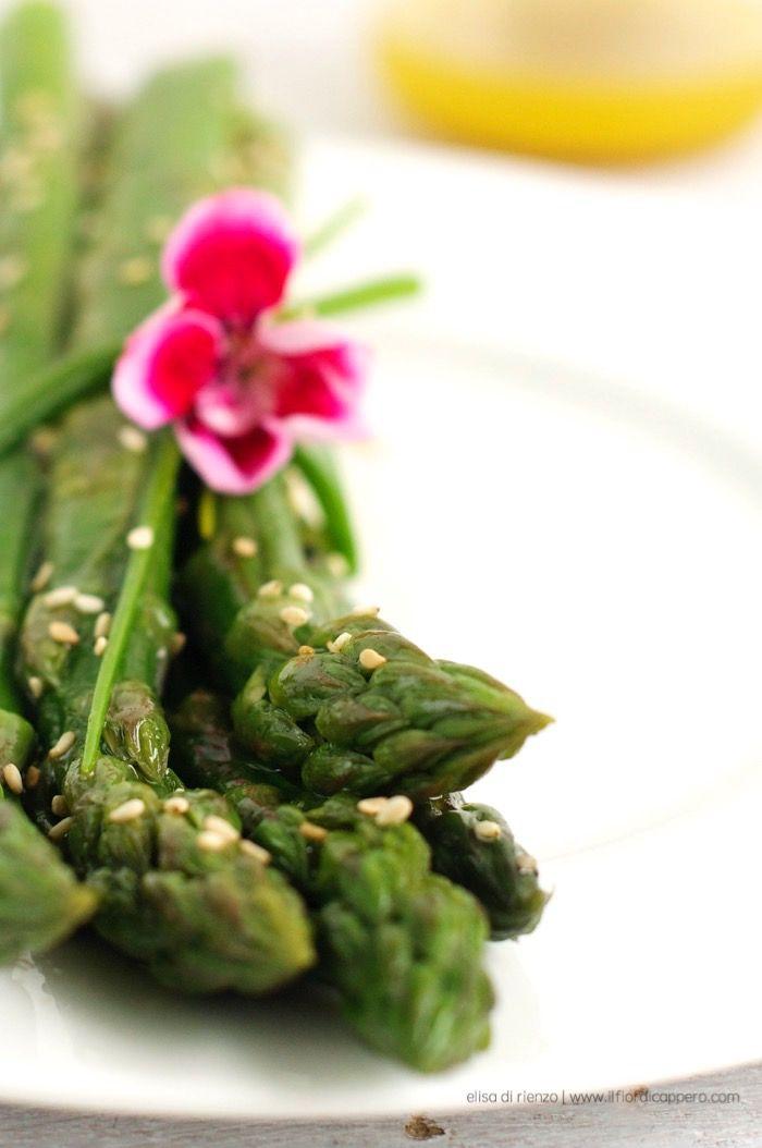 #asparagi al vapore con vinagrette di soia e #zenzero