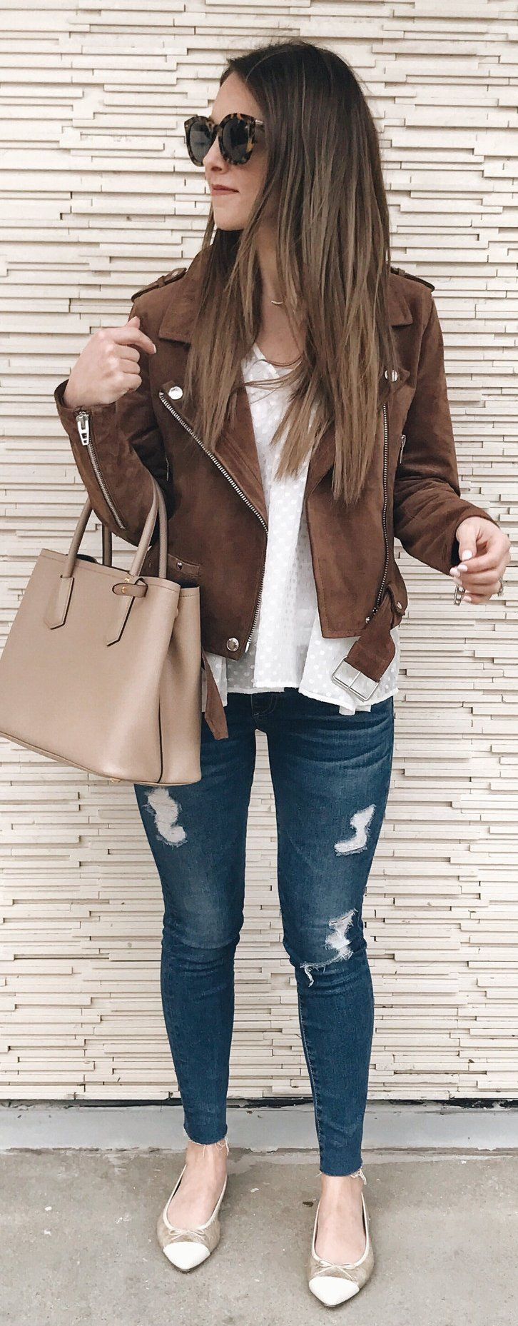 Brown Suede Jacket / White Tee / Ripped Skinny Jeans / Brown Leather Tote Bag